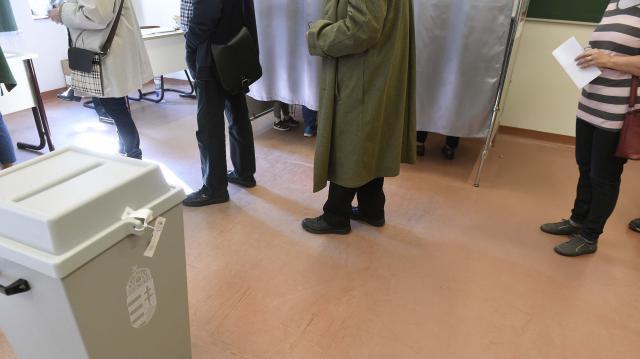 Veszprémben, Balatonfüreden és Tapolcán többen, Pápán kevesebben szavaztak eddig