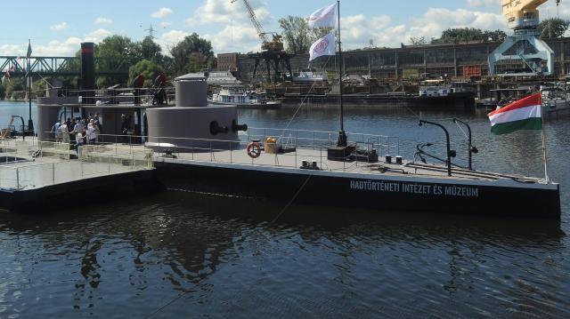 Esztergomba érkezik a Lajta Múzeumhajó