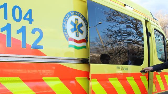 Meghalt balesetben egy 19 éves fiú a táti úton