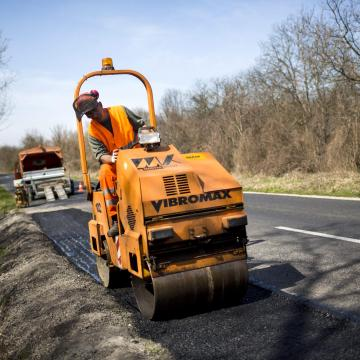 Több helyen elkezdődött az útfelújítás Békés megyében