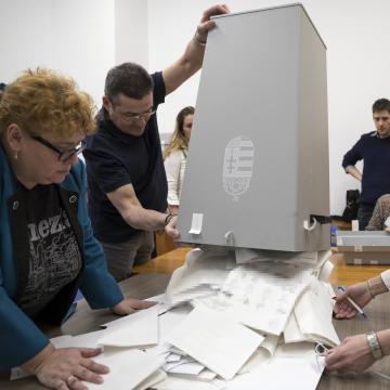 Egyéni mandátumot szerzett képviselők Csongrád megyében választókerületenként