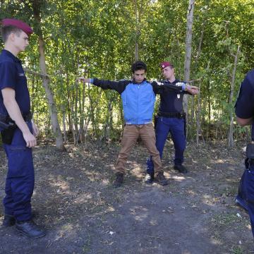 Illegális bevándorlás - Ötvenegy határsértőt tartóztattak föl a hétvégén