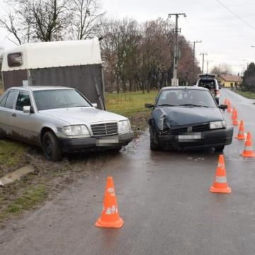 Ittasan, jogosítvány nélkül vezetett, balesetet okozott