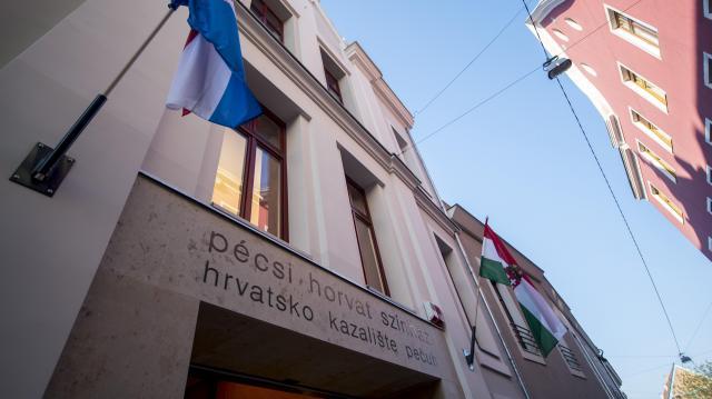 Átadták a felújított és kibővített Horvát Színházat