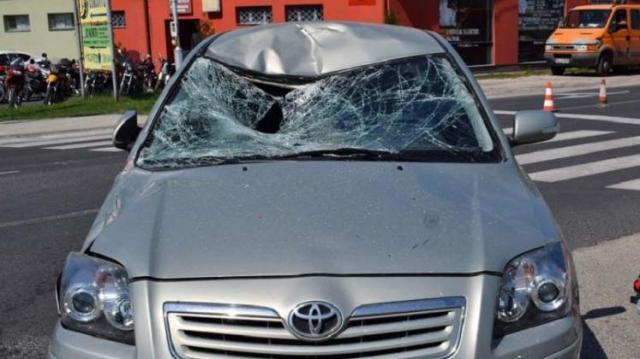 Súlyosan megsérült egy motoros az Esztergomi úton
