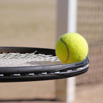 Több város is helyszíne lesz a menedzserek teniszbajnokságának