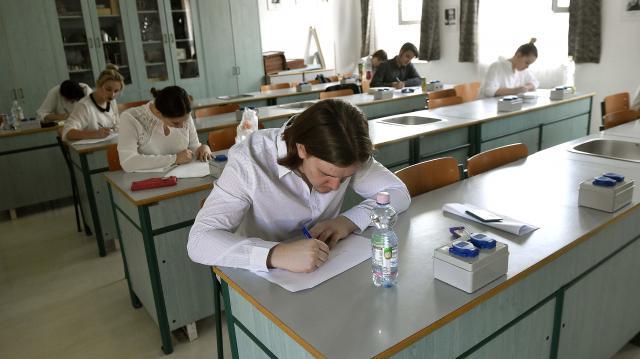 A magyar nyelv és irodalom írásbelikkel folytatódnak az érettségi vizsgák