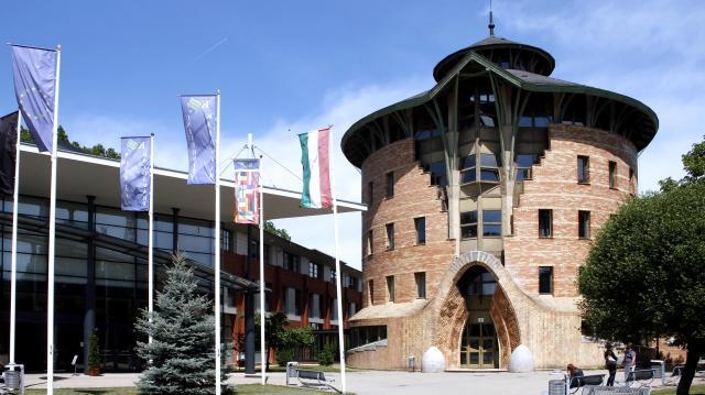 Keletre is nyit a Kaposvári Egyetem