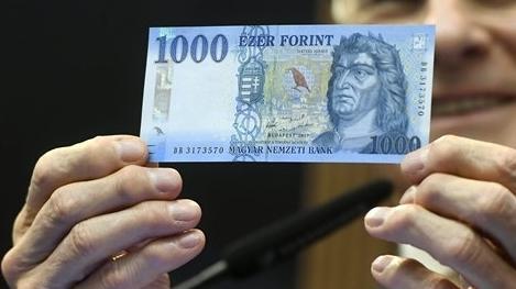 Már kicserélődött az ezer forintos bankjegyek több mint fele
