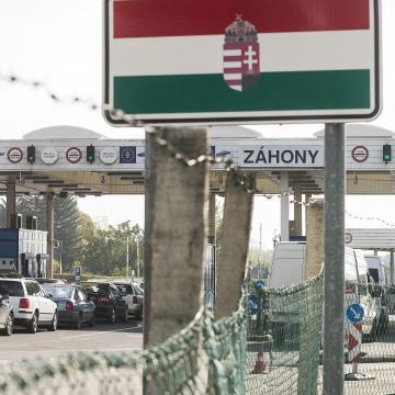 Megkezdődött a korrupcióval vádolt záhonyi határrendészek büntetőpere