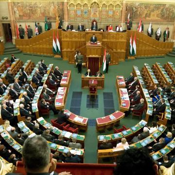 Tíz minisztériummal alakulhat meg az új kormány
