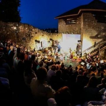 Hamarosan kezdődik a Várszínház jubileumi évada