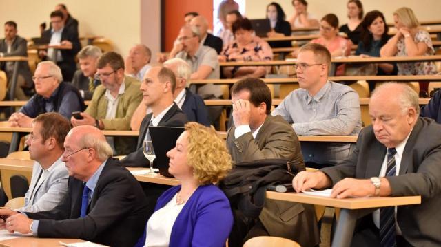 Egyetemi konferencia: Összefogással fejlődhet csak az élelmiszeripar