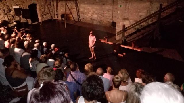 Színházak köszöntik az jubileumát ünneplő Várszínházat