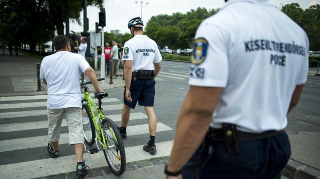 Szirénát szerelt kerékpárjára a nyíracsádi álrendőr