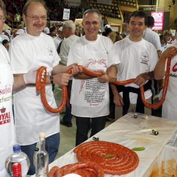 Csabai kolbász-blues-pálinka pikniket rendeznek a hétvégén