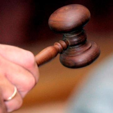 Elítélték a 17 éves, erőszakos, dorogi rablót