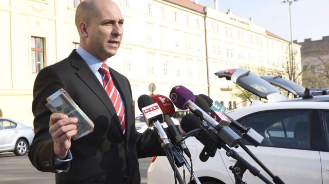 Feljelentést tesz a dorozsmai nagybani piac értékesítése miatt Szabó Bálint