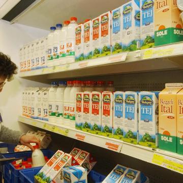 Nyomozócsoport alakult a tejszennyezéssel zsarolók ügyében