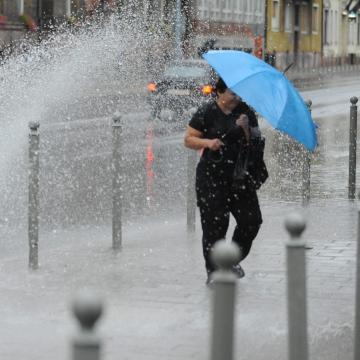 Bárhol nyakunkba szakadhat az eső