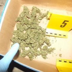 Kábítószer-kereskedelem és kábítószer birtoklása