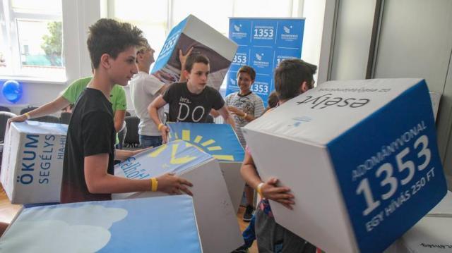 Nélkülöző és bántalmazott gyerekek táboroztatására indult gyűjtés