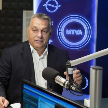 Orbán Viktor: Az államnak kötelessége fellépni a migráció szervezői ellen