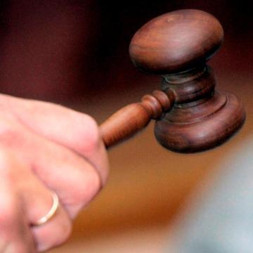 Vádat emeltek a kalauzt verő osztrák férfi ellen