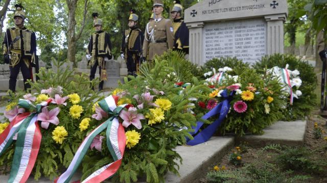 Kötelességünk a hősök emlékének megőrzése