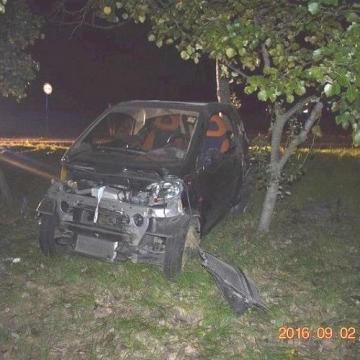 Szabálytalanság miatt halt meg egy autó utasa a 10-esen – Két férfi ellen is vádat emelnek