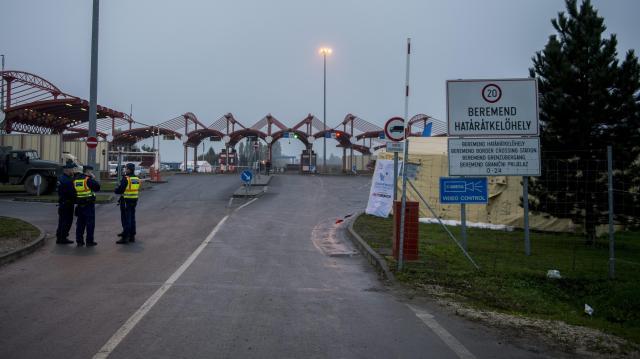 Szünetelt a beremendi közúti határátkelőhely
