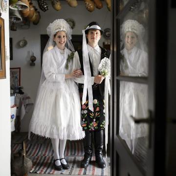 Lakodalmat idéző hagyományőrző programok a szihalmi kemencés és gasztronómiai fesztiválon