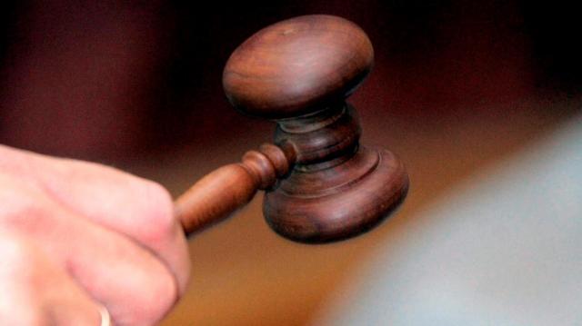 Felfüggesztettre ítélték a csolnoki apát, aki miatt megégett 8 hónapos kislánya
