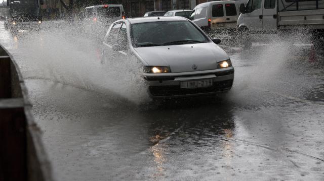 Ismét várható országszerte heves esőzés