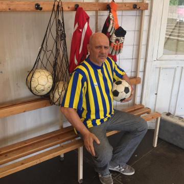 Ősbemutatóval kezdődik a foci vb Komáromban