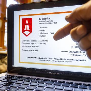 Vasárnap hajnalban szünetel az e-matrica és az e-útdíj értékesítése