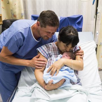 Együtt készülhet a szülésre a család