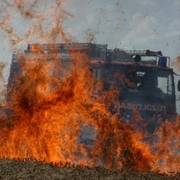 18 tűzoltó küzdött a gabonatűzzel