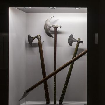 Fegyvermustra címmel új állandó kiállítás nyílt a Dobó István Vármúzeumban