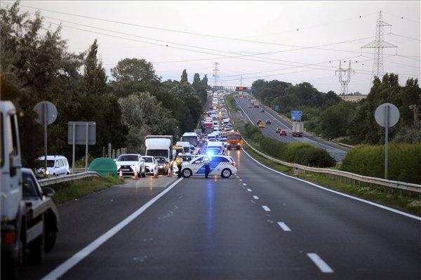 Halálos baleset történt az M7-esen Martonvásárnál