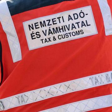 Újabb helyszíneken ellenőriznek a NAV munkatársai a térségben