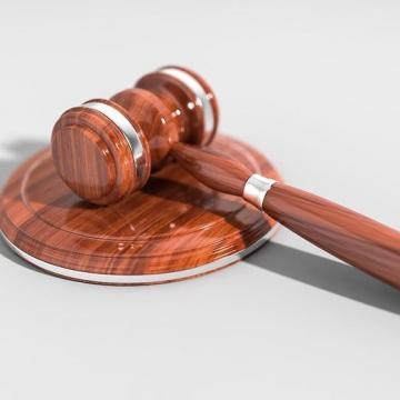Felfüggesztett börtönbüntetésre ítélték a volt szigetvári polgármestert
