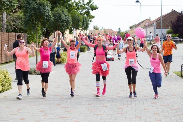 Jelmezese rozémaratonnal és sztárfellépőkkel jön a villányi Rozé Fesztivál