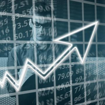 A jövő évi költségvetés egyszerre tükrözi a stabilitást és a fejlődést Varga Mihály szerint