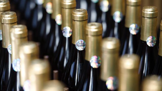 Egyedi palack készül az Egri borvidék csúcsminőségű borai számára