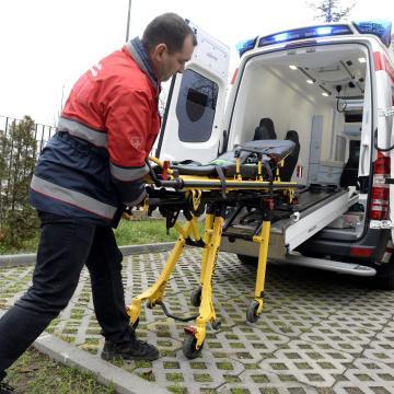 Ököllel ütötte meg a mentőápolót egy férfi Mezőgyánban