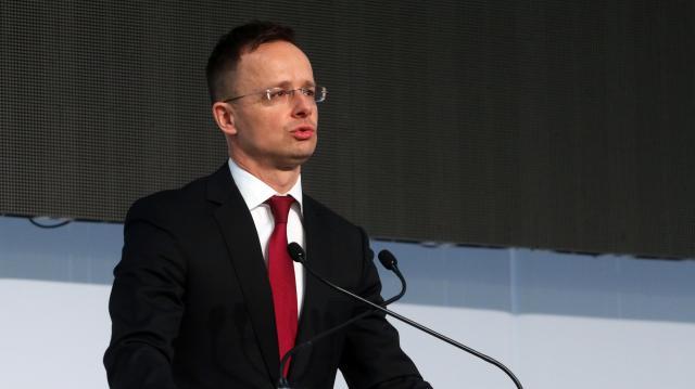 A kormány a jövőben is megvédi a magyar családok biztonságát