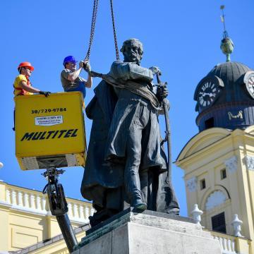 Ütemterv szerint zajlik a Kossuth-szobor felújítása