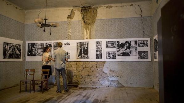 Az Ördögkatlan Fesztiválon állítják ki Cseke Csilla női börtönfotóit