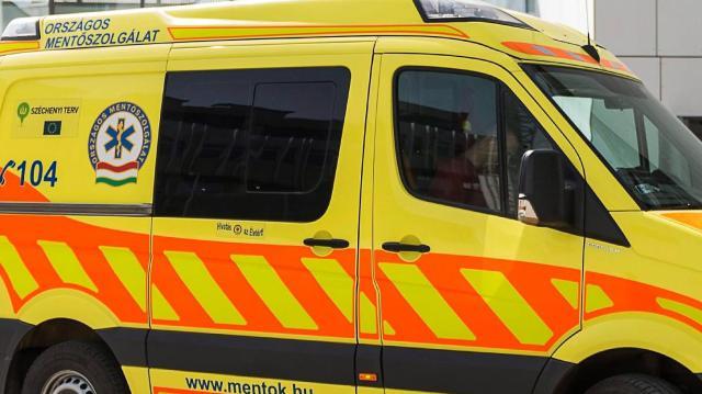 Életveszélyesen megsérült egy autós Pellérd és Görcsöny között